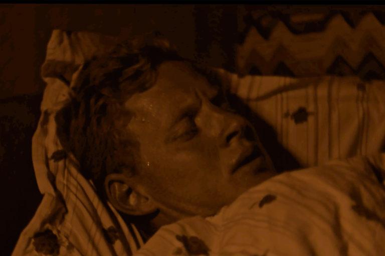 Still fra 6. afsnit af 'Hotel Paradis'. Credit: Stray Dog Productions