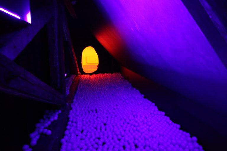 Lydtunnellen der fører til filmrummet. Foto: Suvi Andrea Helminen
