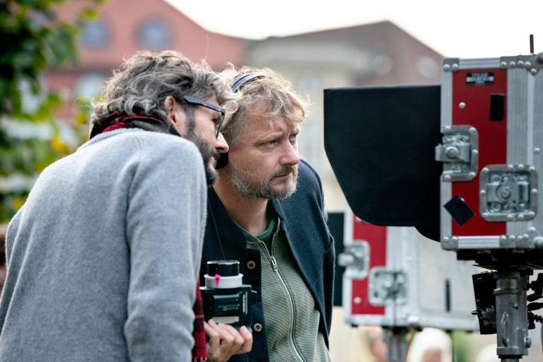 Erik Zappon og instruktør Jesper W. Nielsen på optagelserne til 'Undtagelsen'. Foto: Martin Dam Kristensen.